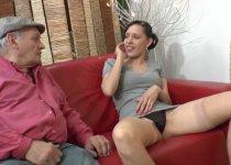 Tania Rose niquée par papy
