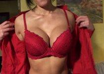 Julina une fmme sexy qui aime le sexe