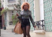Naomie recherche un mâle en plein Paris