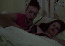 Lula Boobs baisée en dormant