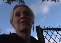 Angie Scorp enculée en levrette
