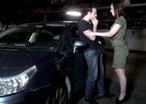 Lola Vinci baisée dans un parking