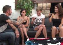Amelie Pucycat, Clara et Lili Kimora organise une soirée sextoys