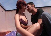 Elena et tony baisent comme des bêtes devant la caméra